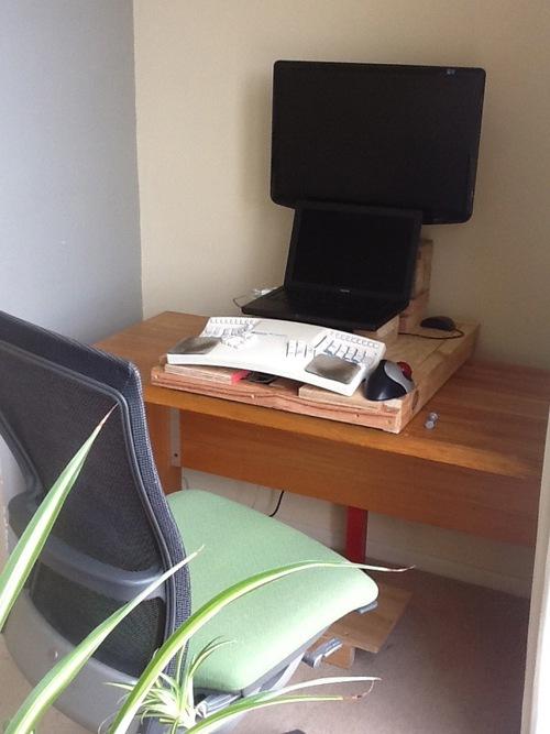 Switchable desk 1 IMG_0167